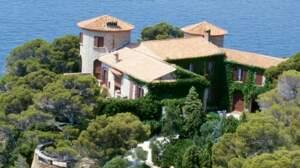A quelles personnalités politiques appartiennent ces villas ?