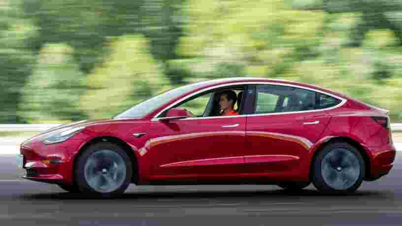 Des conducteurs de Tesla n'ont pas pu entrer dans leur voiture à cause d'un bug de l'appli