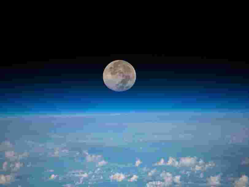 Des chercheurs assurent qu'on peut construire un ascenseur reliant la Lune à la Terre