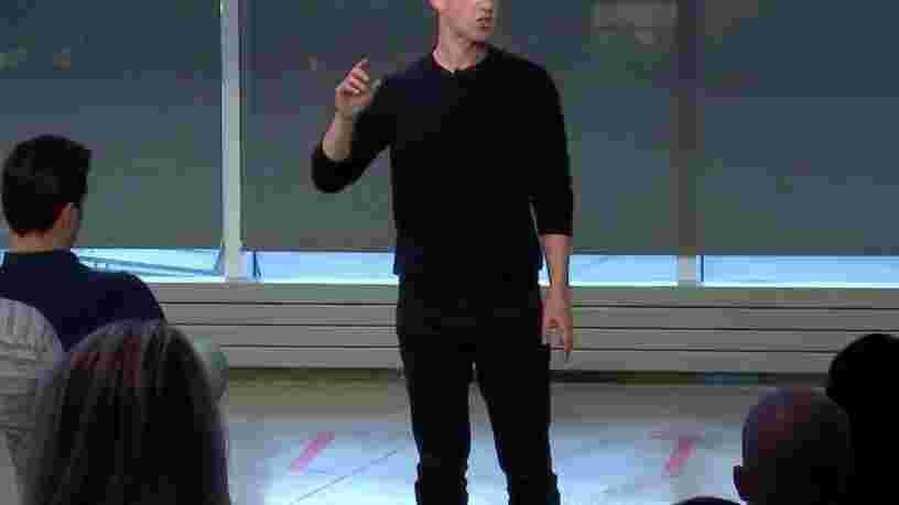 Voici ce qu'a dit Mark Zuckerberg lors de la session de questions-réponses qu'il a diffusé en direct sur Facebook