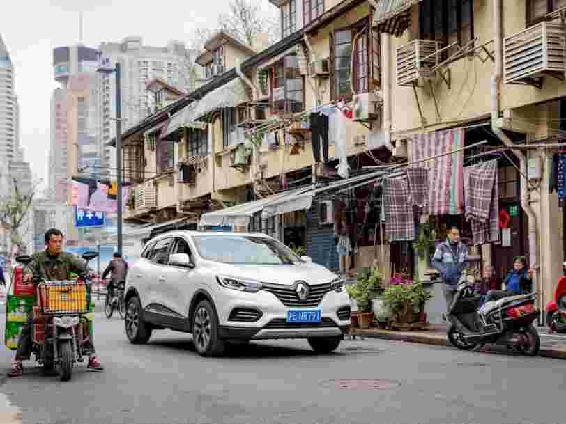 Renault, rattrapé par la crise du secteur automobile, chute en Bourse