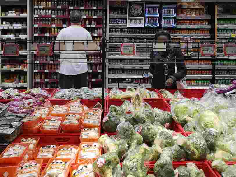 Le gouvernement remet à plus tard sa décision sur le travail de nuit dans les commerces alimentaires
