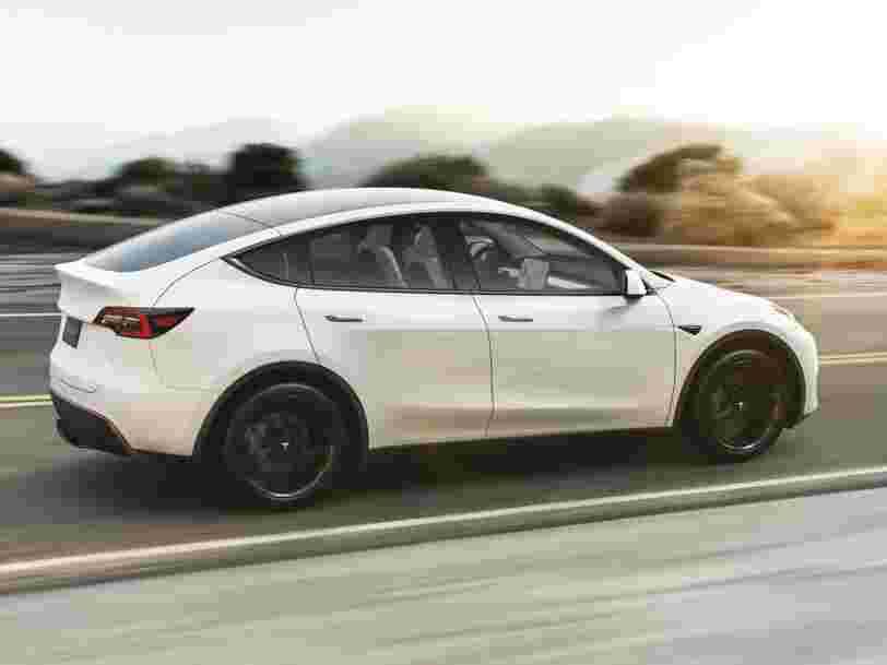 L'action Tesla atteint un nouveau plus haut à Wall Street