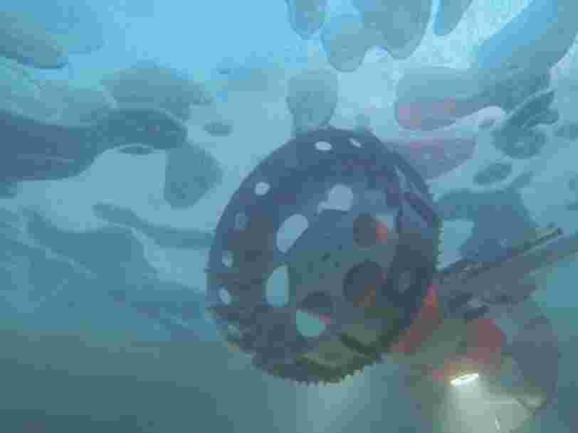 La NASA teste un rover sous-marin sous la glace de l'Antarctique censé à terme rechercher des indices de vie extraterrestre