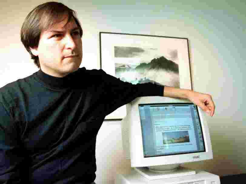 Une disquette Macintosh signée par Steve Jobs d'une valeur de 7 500 $ a été mise aux enchères