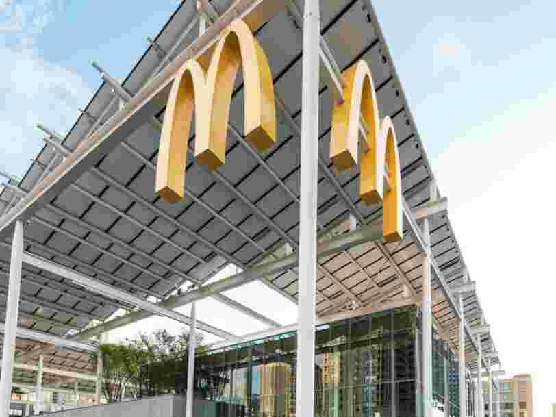 Cinq employés de McDonald's assurent avoir été licenciés pour, entre autres, n'avoir pas dit bonjour