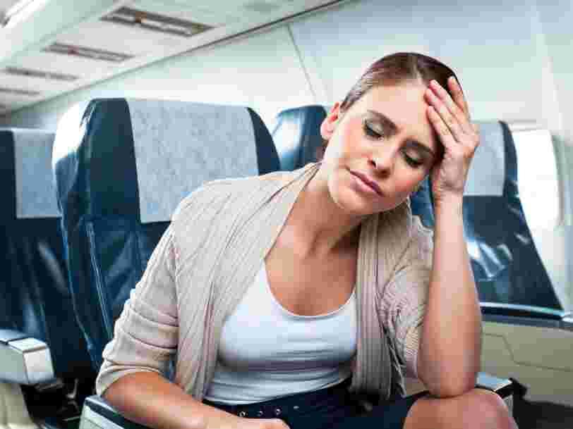 Un voyage en avion peut entraîner des risques pour votre santé, voici comment s'en prémunir