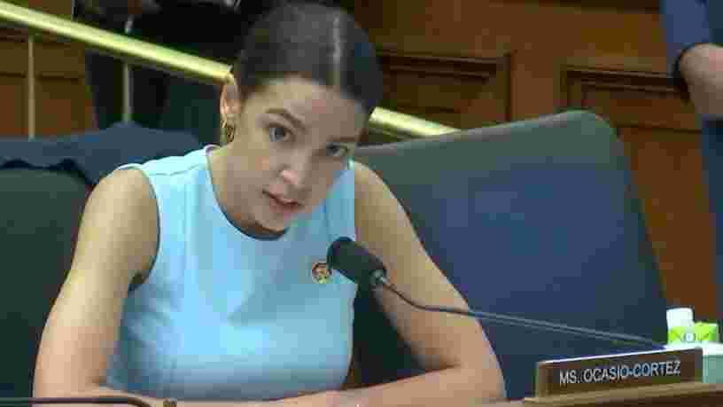 Alexandria Ocasio-Cortez alerte sur la reconnaissance faciale : 'On se croirait dans un épisode de Black Mirror'