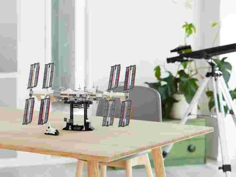 Lego sort une maquette de la Station spatiale internationale et l'envoie dans la stratosphère