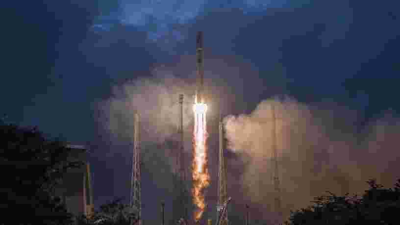OneWeb lance une 2e flopée de satellites pour agrandir sa méga-constellation censée fournir Internet depuis l'espace