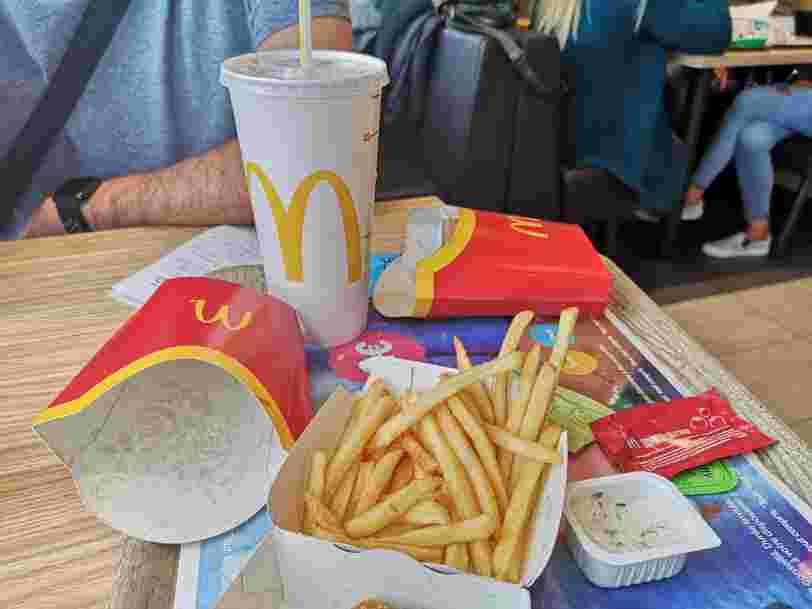 Un collectif reproche à McDonald's de ne pas tenir ses promesses sur le tri des déchets