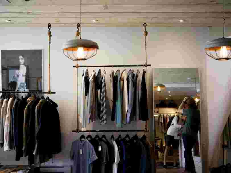 Le gouvernement souhaite apposer une note sur les vêtements pour indiquer leur impact environnemental