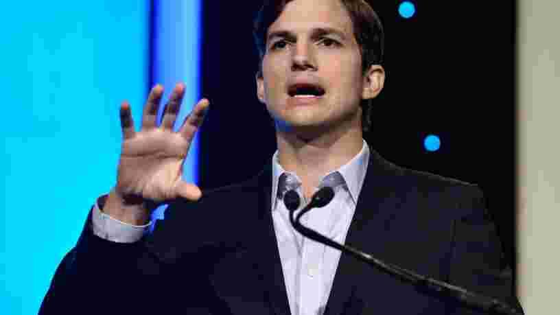Ashton Kutcher identifie les startups dans lesquelles investir en analysant les écrans d'accueil des smartphones de tout ceux qu'il rencontre
