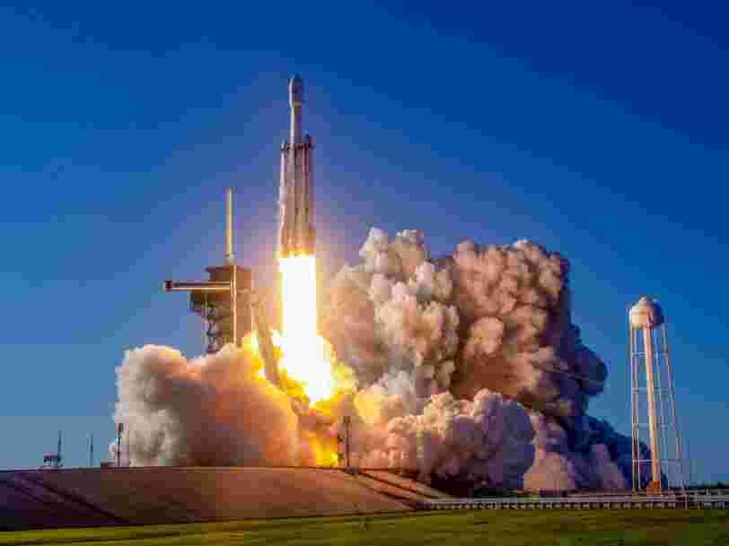 SpaceX va envoyer les cendres de 152 personnes dans les étoiles