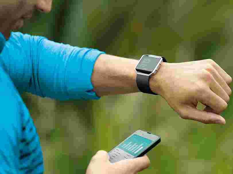 Fitbit a vendu un tiers de montres et bracelets connectés de moins qu'en 2016 — son titre s'effondre