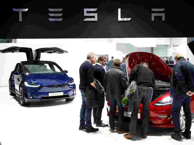 Tesla dégringole en Bourse après avoir annoncé son intention de supprimer plusieurs milliers d'emplois