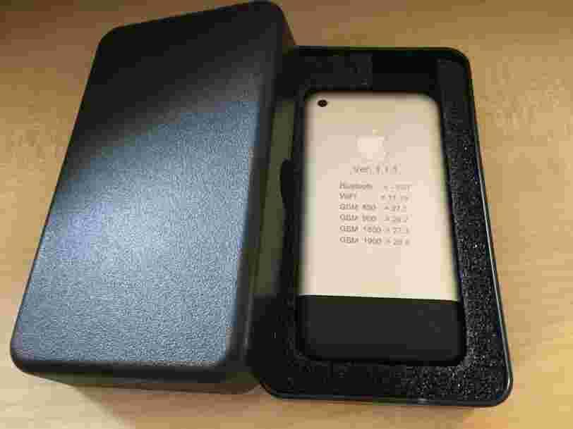 Quelqu'un a mis vente sur eBay un prototype d'iPhone de 2006 — et les enchères ont dépassé les 13.000$