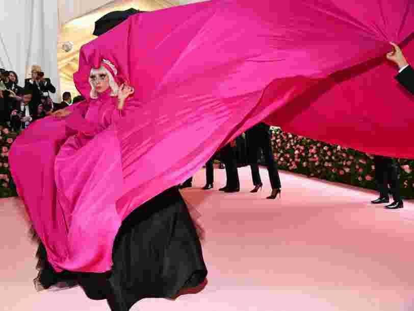 Les 4 tenues que Lady Gaga a portées sur le tapis rouge au Met Gala 2019