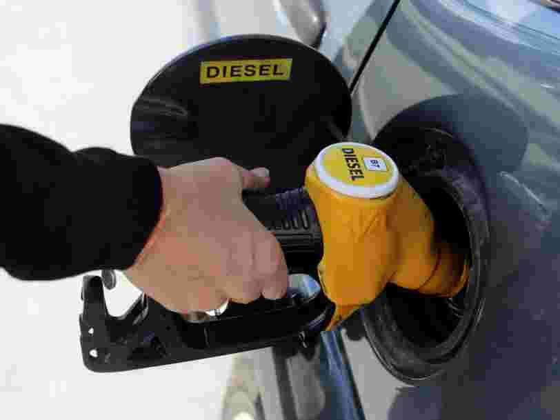 En marge de la flambée des carburants, E.Leclerc, Carrefour et leurs concurrents se livrent une bataille sur les prix à la pompe
