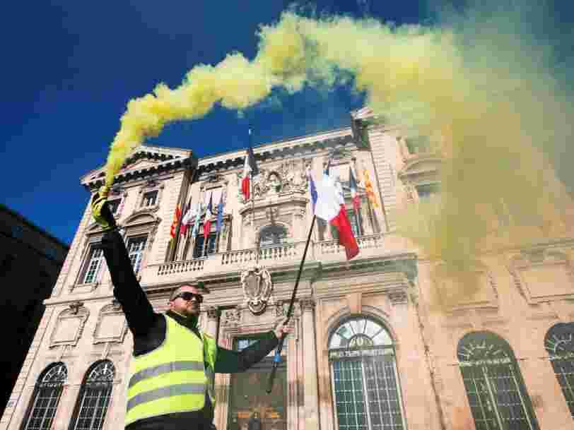 Le mouvement des 'Gilets jaunes' a mis 58.000 salariés au chômage technique — et cela va coûter plusieurs dizaines de millions d'euros