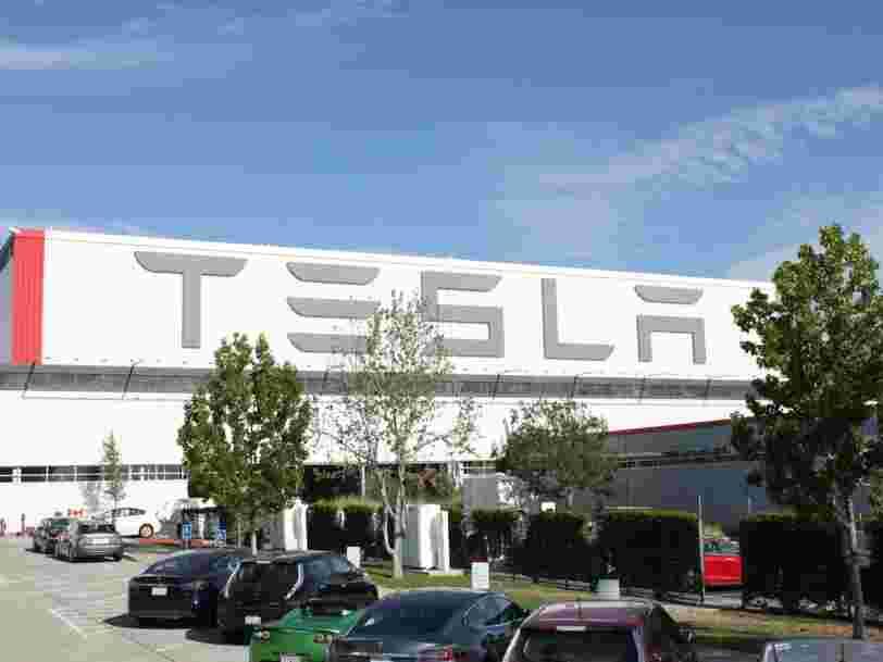 Des centaines d'employés de Tesla ont été licenciés alors que la production du Model 3 commence tout juste à s'accélérer