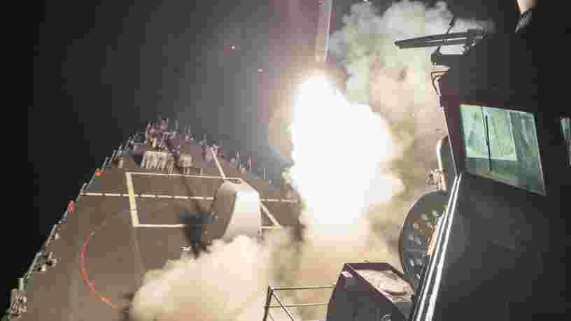 EN IMAGES: Des dizaines de missiles américains Tomahawk lancés contre des bases syriennes