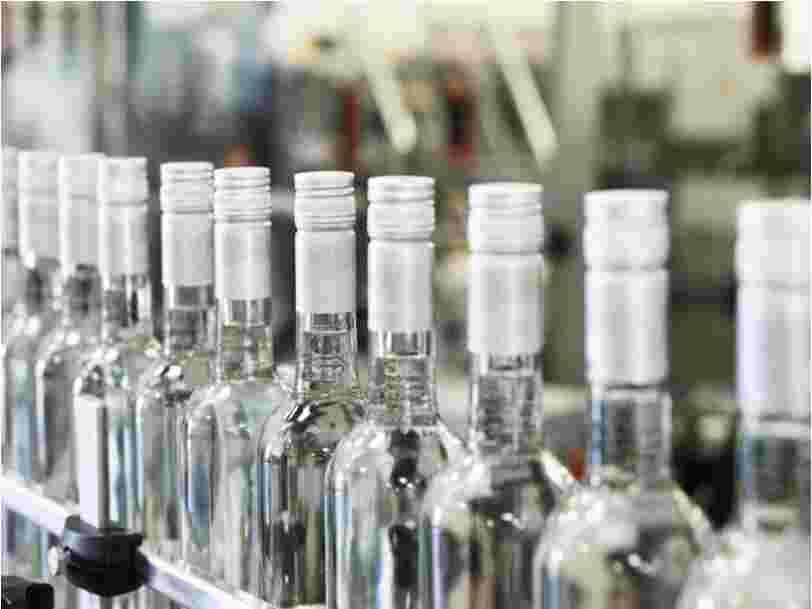 Shampoing, anti-moustiques... 10 façons méconnues d'utiliser la vodka
