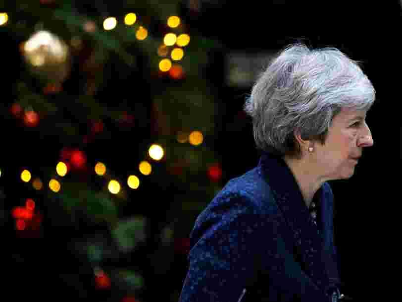 BREXIT: Theresa May fait face à un vote de défiance qui pourrait entraîner sa destitution