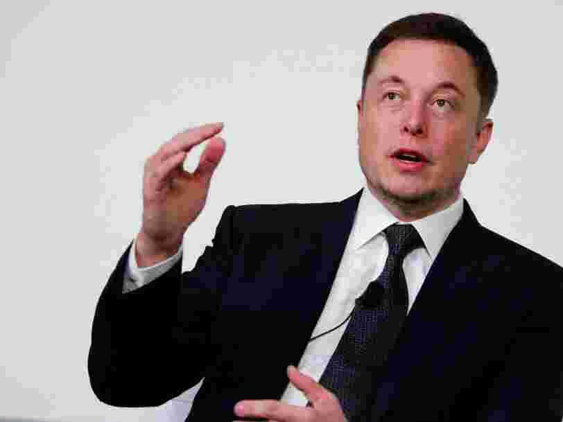 Elon Musk pense que l'IA mènera à la 3ème Guerre Mondiale — mais c'est à prendre avec des pincettes