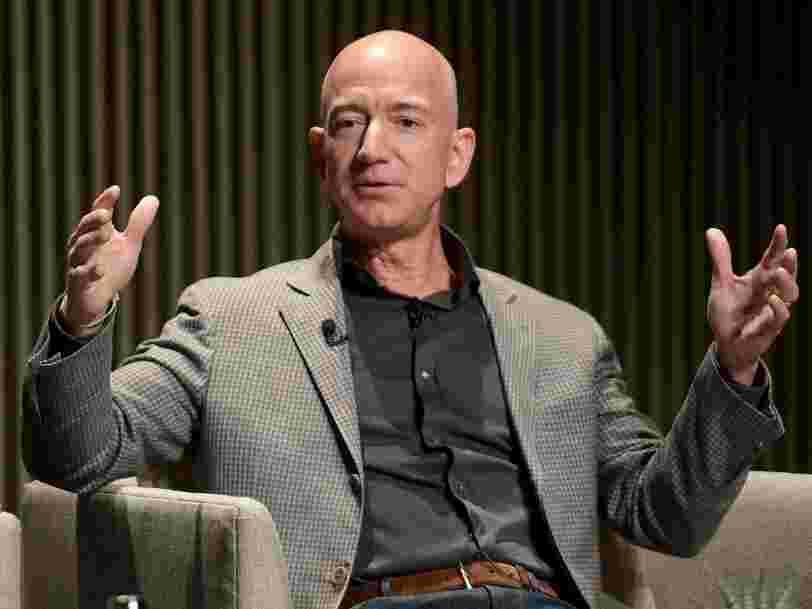 Amazon dépasse les attentes de Wall Street pour les fêtes de fin d'année mais annonce de faibles perspectives de ventes