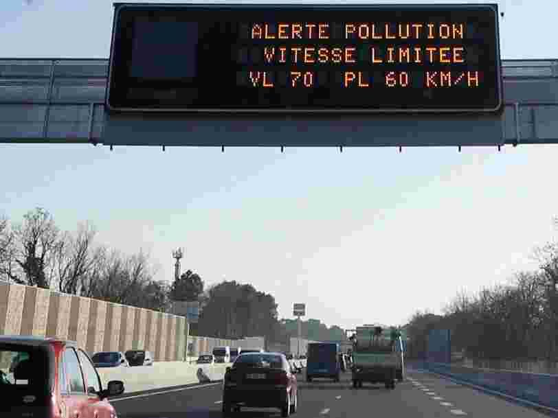 Ce sont finalement les automobilistes qui paient pour l'abandon d'une taxe sur la pollution des poids lourds