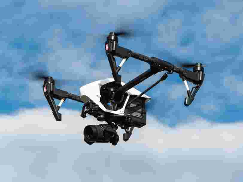La police va utiliser des drones 'de plus en plus souvent' pour contrôler les motos sur la route