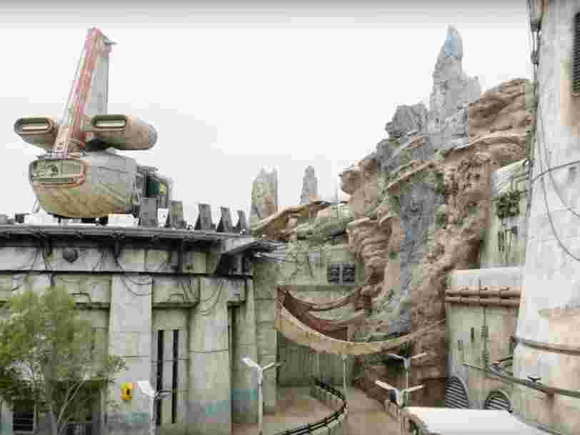 La Star Wars Galaxy's Edge a ouvert ses portes à Disney California, et les images font rêver !