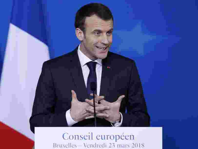 Emmanuel Macron dit à Donald Trump que l'Europe ne discute pas 'avec un fusil sur la tempe'
