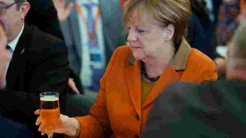 La chancelière allemande Angela Merkel a découvert l'énorme scandale du dieselgate comme tout le monde