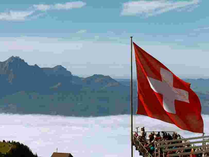 La Suisse pourrait creuser un trou dans les caisses de la France en refusant de révéler l'identité des Français qui possèdent un compte chez UBS