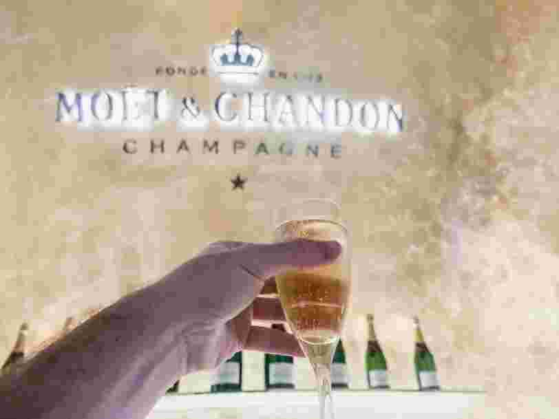 Champagne, massages, restaurants... j'ai passé 4 heures dans le salon Affaires d'Emirates à Dubai