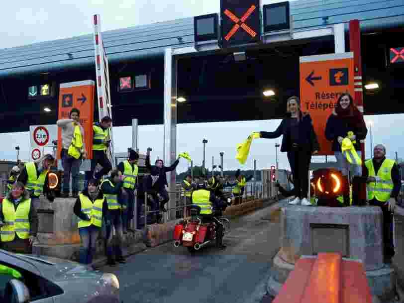 Le concessionnaire d'autoroute Vinci renonce finalement à traquer ceux qui ont profité des barrières levées par les 'Gilets jaunes' et à leur envoyer la facture