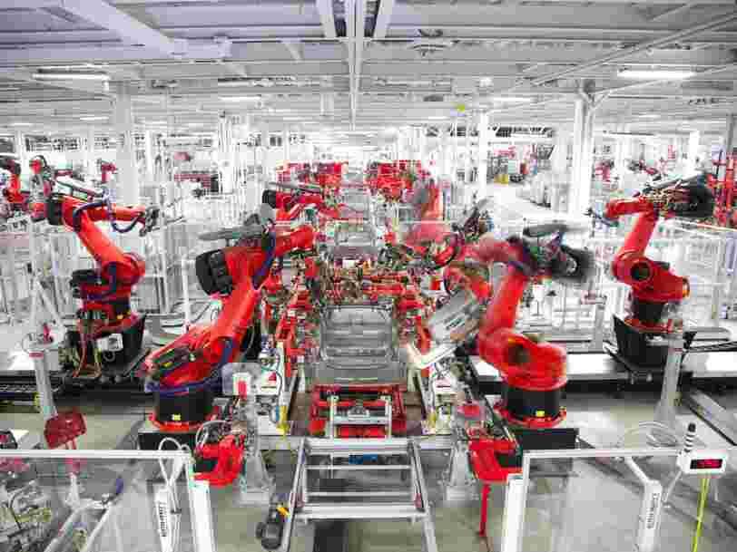 Tesla aurait importé des robots d'Europe pour accélérer la production de sa Model 3