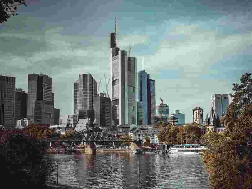 Brexit : les villes européennes qui devraient accueillir le plus d'activités financières venant de Londres