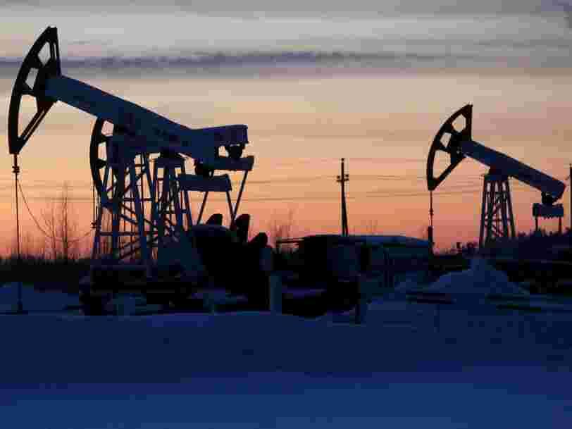 Le pétrole s'enflamme après le premier accord conclu en 15 ans entre la Russie et l'Arabie saoudite pour réduire la production