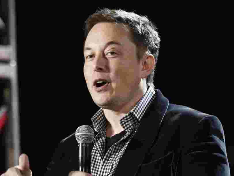 Voici l'email qu'Elon Musk a envoyé aux employés de Tesla pour leur dire qu'il avait décidé de garder l'entreprise cotée en Bourse