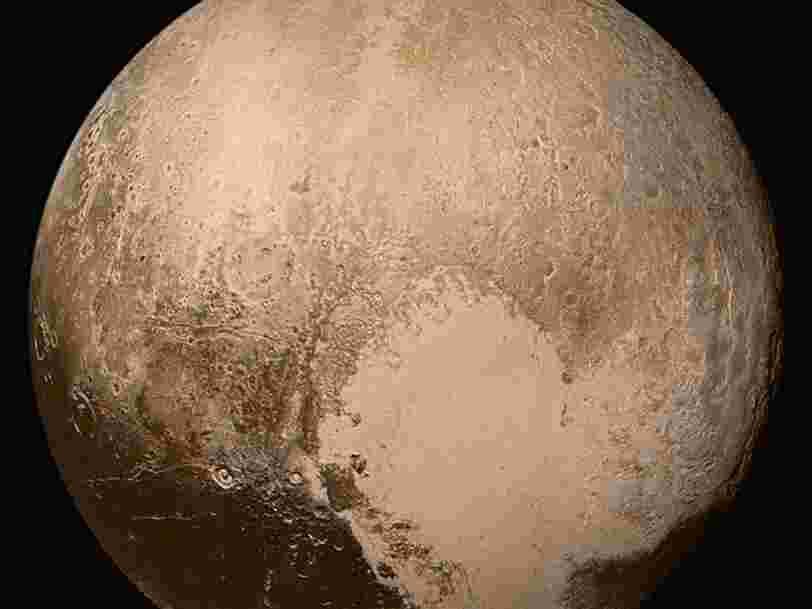 Pluton abriterait un océan sous sa surface gelée et ça change ce que l'on pensait savoir sur la planète naine