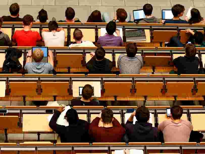 Près de 1000 postes pourraient être créés dans les universités d'ici 2022 et 8M€ de primes versées pour la transition vers Parcoursup