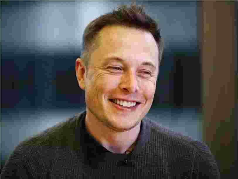 Elon Musk explique pourquoi vivre avec 1$ par jour quand il était étudiant l'a convaincu qu'il pouvait faire ce qu'il voulait de sa vie