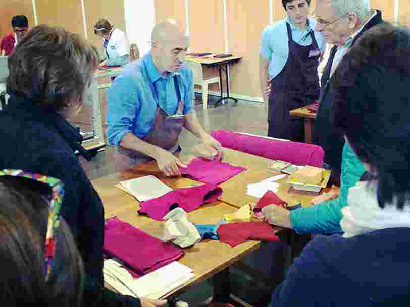 Hermès étoffe ses capacités de production pour continuer à fabriquer tous ses gants en France
