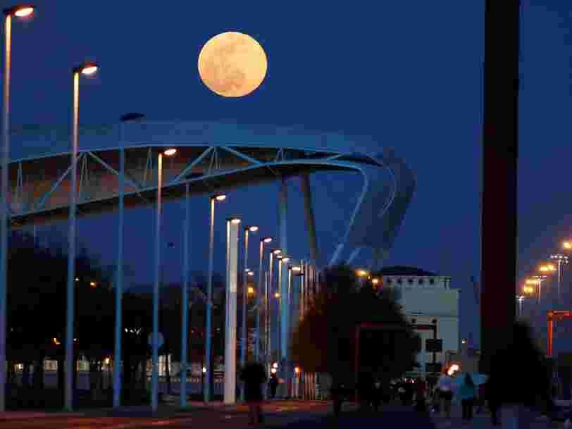 Ne ratez pas la dernière super-Lune de l'année qui a lieu cette nuit