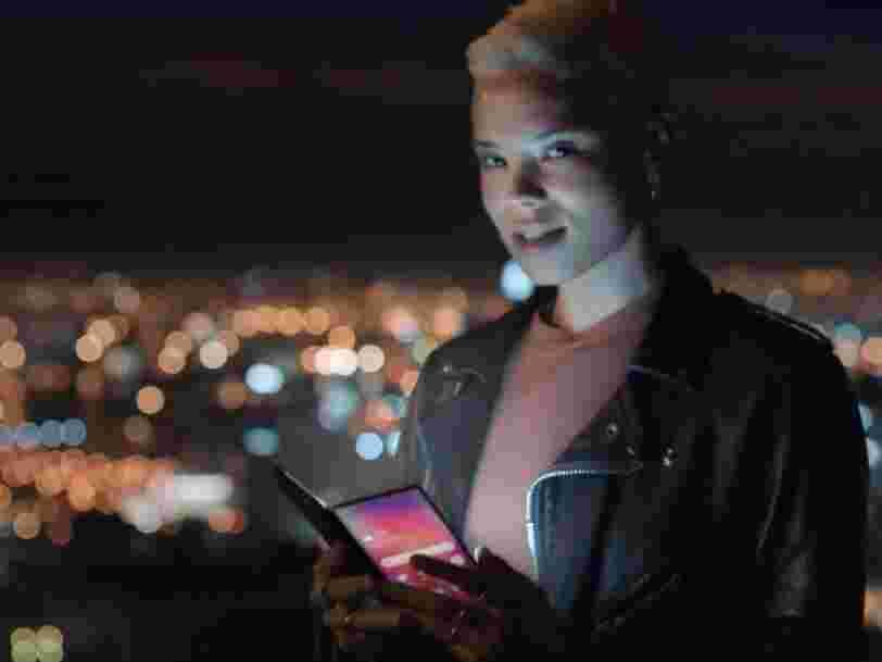 Samsung a accidentellement publié une vidéo qui pourrait montrer à quoi ressemble son premier smartphone pliable
