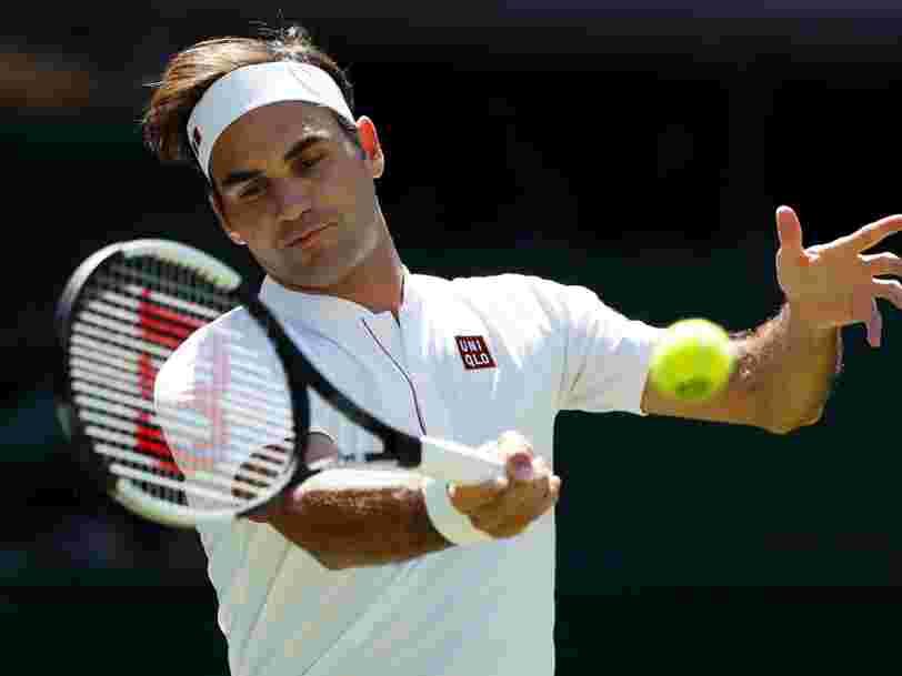 Roger Federer fait sa première apparition à Wimbledon avec un t-shirt Uniqlo