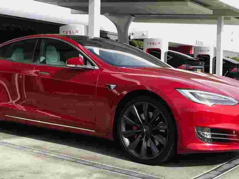 Tesla fait face à son plus grand rappel de véhicules à ce jour — il concerne 123.000 Model S